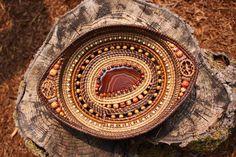 Artist Carolyn Jones Weaving Art, Hand Weaving, Pine Needle Crafts, Christmas Gifts To Make, Christmas Crafts, Linen Baskets, Pine Needle Baskets, Pine Needles, Birch Bark