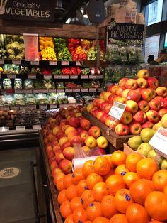 Wholefoods - Piccadilly - London - Grocery - Healthy Living - Layout - Landscape - Retail Design - VM - www.clearretailgroup.eu Retail Space, Retail Design, Whole Food Recipes, Healthy Living, Layout, Spaces, London, Landscape, Vegetables
