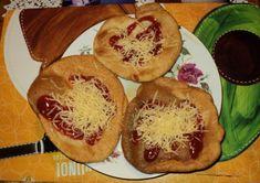 Langoše • recept • bonvivani.sk Muffin, Pizza, Ale, Breakfast, Food, Basket, Morning Coffee, Beer, Ale Beer
