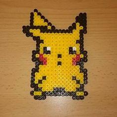 #pikachu #pika #pokemon #retro #8bit #beads #beadsprite #pearls #artwork #pixelart #bügelperlen #hamabeads