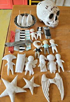 """Blog about creating art. Sculpture, painting, doll making, sewing. Creativity. <meta name=""""robots"""" content=""""NOODP"""">"""