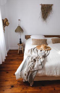Plaid kaki et beige en coton recyclé fait main — CARNET SAUVAGE Bohemian Decoration, Shag Rug, Rugs, Home Decor, Handmade, Cotton, Flowers, Shaggy Rug