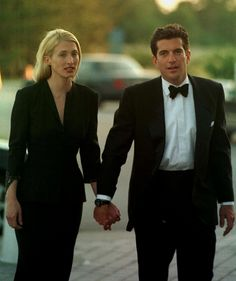 """THE """" PROFILE IN COURAGE AWARDS """", AMERICA - 1998 Damn they were a good looking couple!"""
