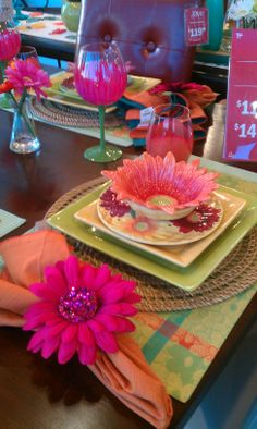Pier 1 Daisy Plate Setting