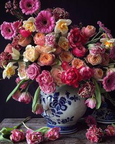 Pretty colorful floral arrangement