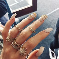 """Nail Game from Latest Kardashian Trends As Kylie Jenner likes to call it, """"Finger Candy"""" is totally in right now. Style Kylie Jenner, Nails Kylie Jenner, Kardashian, Kati Perri, Fashion Rings, Fashion Jewelry, Nail Fashion, Fashion News, Glam Hair"""