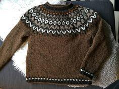 Ravelry: Project Gallery for Riddari pattern by Védís Jónsdóttir Fair Isle Knitting Patterns, Knitting Designs, Loom Knitting, Hand Knitting, Punto Fair Isle, Icelandic Sweaters, Bohemian Chic Fashion, Crochet Wool, Ravelry