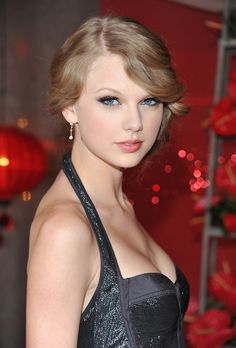 Welcome to countrywomendaily your source for all things female country artists. Taylor Alison Swift, Girl Face, Role Models, Famous People, Celebs, Singers, Hero, Dreams, Star