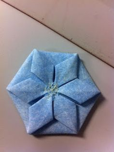 THE AVERAGE QUILTER: Folded Flower Hexie Tutorial