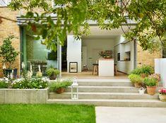 Pure elegance: kitchen by kitchen architecture, modern Pure elegance: modern Kitchen by Kitchen Architecture patio steps Patio Design, Garden Design Layout, Garden Design Plans, Modern Garden Design, Garden Stairs