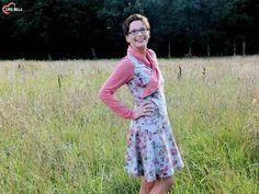 """eBook - """"Lillith"""" von Zwergnase Design - Kleid/Shirt - Nähen für Damen - Wickel-Optik - Wickelkleid - Sweat """"Blumenfee"""" kombiniert mit Jersey """"Daydream"""" - Glückpunkt."""