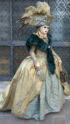 Venetian carnival costume and mask Venetian Costumes, Venice Carnival Costumes, Carnival Dress, Venetian Carnival Masks, Carnival Of Venice, Venetian Masquerade, Masquerade Ball, Venice Carnivale, Venice Mask