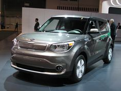 2016 Kia Soul EV Eco Electric - 3/4 front view