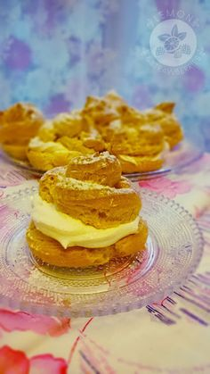 Lemon and Strawberries: Ptysie (Puffs) with lemon cream