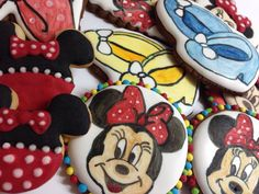 Mini Mouse cookie, hand painted