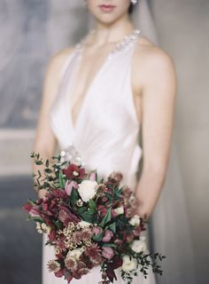 Late winter wedding inspiration when the days are longer and a little bit warmer, nature telling us that the warmer weather is on its way.