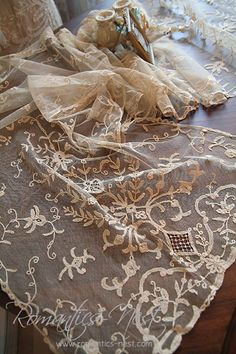 Gorgeous Lace Runner~❥~angel-eyez~