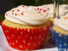 » Magnolia Bakerys Vanilla Cupcakes Vanilla Cupcakes, Magnolia, Sweet Tooth, Muffins, Baking, Recipes, Food, Muffin, Magnolias