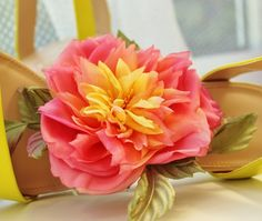 A floral accessory giveaway! Hurry up, the rose comb must go on Monday, 18 August!