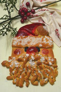 Pão de Laranja e canela em formato de pai Natal