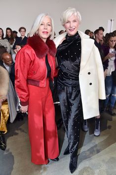 Linda Fargo Photos - Linda Fargo, senior vice president of the fashion office and store presentation at Bergdorf Goodman (L) and model Maye Musk attend the Jason Wu front row during New York Fashion Week: The Shows at Gallery I at Spring Studios on February 9, 2018 in New York City. - Jason Wu - Front Row - February 2018 - New York Fashion Week: The Shows