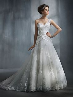 Alfred Angelo 2240 Bridal Gown
