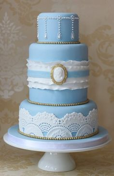 Vintage Blue  Cake by Clabby
