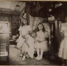 The four little Grand Duchesses c. 1904 (Source)