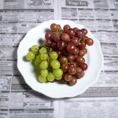 Grapes & the Classified Ads Post Free Ads, Wine Making, Food Photo, Grape Vines, Food Art, Food To Make, Harvest, Healthy Snacks, Berries