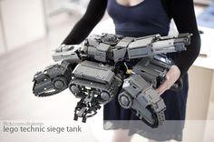 Siege Tank in hand | Lego Technic Starcraft 2 Siege Tank. Vi… | Flickr