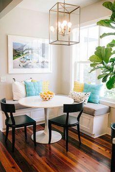 дневник дизайнера: Маленький круглый столик в уютной кухне! 10 фото для вдохновения
