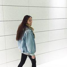 oversize denim jacket outfits women - Google Search