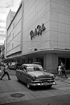 Fin de Siglo store, 2007 - I remember when this store was the ultimate Cuban Architecture, Our Man In Havana, Cuba Cars, Cuba Pictures, Vintage Cuba, Viva Cuba, Cuban People, Cuban Culture, Cars