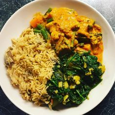 #Day6 #smbcphotochallenge #instafood Cheeky Indian meal from @officialwaitrose_ Vegetable masala aloo gobi with extra spinach and mushroom rice. Now to watch a movie. Happy Saturday supers! #nomnom