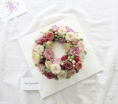 20160422. 뮤지컬 첫공 축하케이크. [3호 단호박설기 리스형]  블로그 http://blog.naver.com/rosyrice #로지라이스케이크 #rosyricecake #떡케이크전문점 #뮤지컬 #첫공 #축하 #케이크 #축하합니다 #떡 #ricecake #flowercake #cake #flower