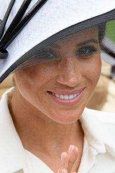 Meghan Markle Photos - Meghan, Duchess of Sussex and Prince Harry, Duke of Sussex attend the prize ceremony of Royal Ascot Day 1 at Ascot Racecourse on June 2018 in Ascot, United Kingdom. Harry And Meghan News, Kate And Meghan, Prince Harry And Megan, Prinz Harry Meghan Markle, Harry And Megan Markle, Meghan Markle Photos, Meghan Markle Style, Princess Meghan, Princess Diana