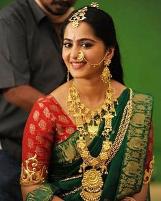 Latest 20 Nauvari Saree Blouse Designs To Try in Beautiful Bollywood Actress, Most Beautiful Indian Actress, Beautiful Actresses, South Indian Bride, Indian Bridal, Anushka Shetty Saree, Anushka Shetty Bahubali, Kerala Saree Blouse Designs, Anushka Photos