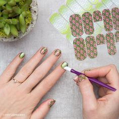 Inspired by @pantone refreshing and revitalizing 2017 #coloroftheyear #GlitteringGreeneryJN and #GreeneryGardenJN embraces the bright and zesty shade for a look that's sure to make a statement. #Greenery #Jamberry