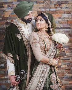 Punjabi bride and groom photography of Indian Sikh wedding Indian Wedding Pictures, Indian Wedding Poses, Indian Wedding Photography, Indian Wedding Outfits, Indian Bridal, Photography Couples, Indian Weddings, Indian Outfits, Sikh Wedding Dress
