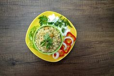 Sebzeli Bulgur Pilavı Tarifi Cracked Wheat, Mini Tortillas, Raw Chicken, Meat Substitutes, Frozen Peas, Superfood, How To Stay Healthy, Green Beans, Healthy Eating