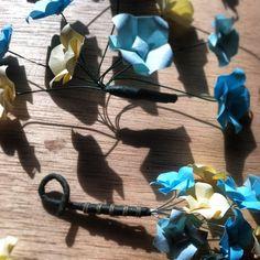 Men's boutonnière/women's fascinator sets, soon to be listed on www.etsy.com/shop/TinyCranesBoutique #tinycranesboutique #origamiwedding
