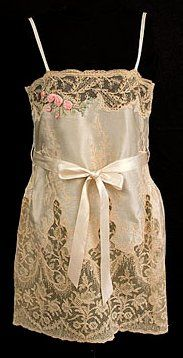 Chemise - c. 1925 - Made in France - Silk, satin, lace - @Mlle