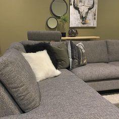 Ønsker du deg ny sofa til jul?! Kjøper du friske Frisco denne uken hos Bohus får du drømmesofaen til jul #grønt #interiør #THECA #danskdesign #kvalitet #mittbohushjem #frisco #bohus #mittbohushjem #bohushonefoss #rustikk #grønterskjønt #nyhet #løpogkjøp #snartjul #drømmesofa #interior #interiør123 #dekor #green Sofa, Couch, Bedroom, Furniture, Home Decor, Settee, Settee, Decoration Home, Room Decor