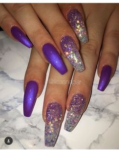 The advantage of the gel is that it allows you to enjoy your French manicure for a long time. There are four different ways to make a French manicure on gel nails. Fancy Nails, Trendy Nails, Love Nails, My Nails, Nagellack Design, Cute Acrylic Nails, Super Nails, Nagel Gel, Prom Nails