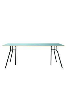 Bord Patrol/Blå House Doctor #design #interior  #table #couch #sofa #housedoctor #trendies #trendy #10trendies #denmark www.10trendies.dk