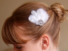 Awesome accessory for a wedding or even for a little girl! Stocking stuffers perhaps! =D