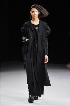 ヨウジヤマモト(Yohji Yamamoto) 2018-19年秋冬コレクション - 写真43