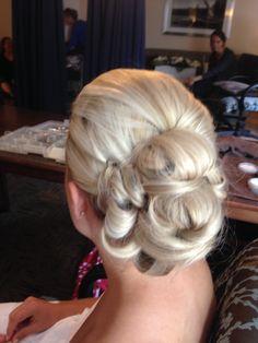 Wedding day hair! Beautiful blonde! Romantic wedding hairstyle Romantic Wedding Hair, Wedding Day, Amanda, Wedding Hairstyles, Beautiful, Fashion, Pi Day Wedding, Moda, Fashion Styles