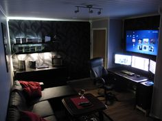 Serious gaming rig and overall awesome room. Whoever owns this probably has no reason to ever leave his room. And I certainly don't blame him