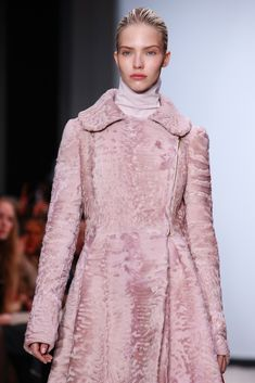 Giambattista Valli Fall 2014 Ready-to-Wear - Collection - Gallery - Style.com